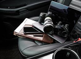 laptop aparat fotograficzny